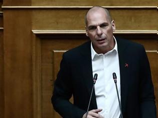 Φωτογραφία για Ο Βαρουφάκης κατέθεσε USB με τις ηχογραφήσεις από τα Eurogroup -Ο Τασούλας του το επέστρεψε