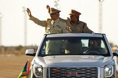 Το μυστηριώδες αυτοκίνητο του Στρατηγού της Λιβύης Χαλίφα Χαφτάρ (ΦΩΤΟ)