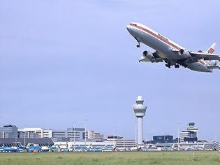 Φωτογραφία για Έρευνα: Η κλιματική αλλαγή δυσκολεύει την απογείωση των αεροπλάνων