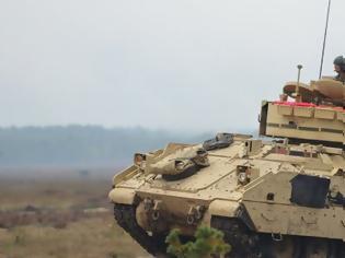 Φωτογραφία για Επιμένει το ΓΕΣ στην απόκτηση των ΤΟΜΑ Bradley M2A2 - Ανανέωσε το αίτημά του