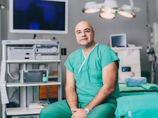 Φωτογραφία για Πρωτοποριακές eTEP Λαπαροσκοπικές, Ρομποτικές χειρουργικές επεμβάσεις αποκατάστασης μετεγχειρητικών κοιλιοκηλών και βουβωνοκηλών