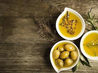 Φωτογραφία για Ελληνικά τυριά, κρασιά, ελιές και λάδι εξαιρούνται και πάλι από τους αμερικανικούς δασμούς