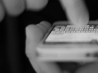 Φωτογραφία για Πώς γίνονται οι υπέρογκες χρεώσεις στα κινητά από πενταψήφιους αριθμούς - Τι αλλάζει