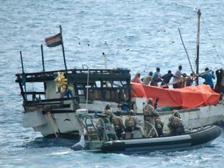 Φωτογραφία για Οι Σομαλοί πειρατές «αγαπάνε» τους 'Ελληνες εφοπλιστές