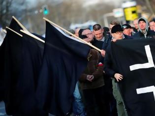 Φωτογραφία για «Τι θέλετε εδώ, ξένοι;»: Ρατσιστική επίθεση σε Έλληνα εργάτη στη Γερμανία