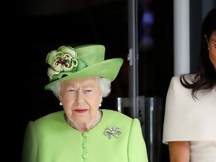Φωτογραφία για «Πληρωμένη» απάντηση από Χάρι και Μέγκαν: Η λέξη «royal» δεν ανήκει στην Ελισάβετ