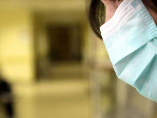 Φωτογραφία για Κορονοϊός: Έφοδος Πατρινών στα φαρμακεία για μάσκες - Είδος προς εξαφάνιση