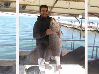 Φωτογραφία για Απίστευτη ψαριά στη ΒΟΝΙΤΣΑ: Έπιασε ψάρι (Κρανιός) 25 κιλών!