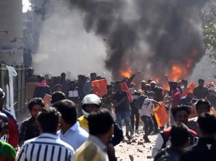 Φωτογραφία για 7 νεκροί και δεκάδες τραυματίες στις διαδηλώσεις εναντίον του νόμου για την υπηκοότητα