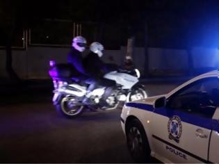 Φωτογραφία για Ληστεία στην παραλιακή: Έστησαν καρτέρι σε οδηγό και με την απειλή μαχαιριών του άρπαξαν χρήματα και κινητό