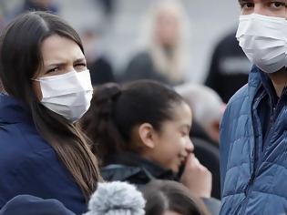 Φωτογραφία για Εξαφανίστηκαν από την αγορά οι χειρουργικές μάσκες προσώπου