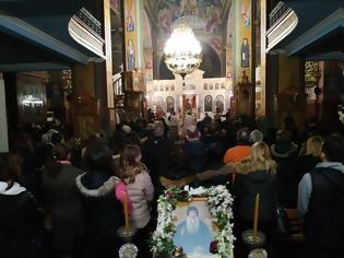 Φωτογραφία για Συνεχίζεται το προσκύνημα της Τιμίας Κάρας του Οσίου Δαυίδ του Γέροντος στον Ιερό Ναό Αγίας Τριάδος Αγρινίου