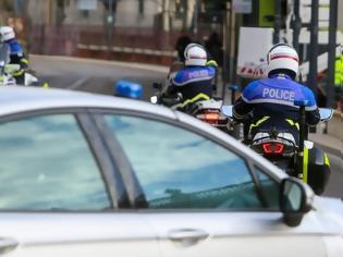 Φωτογραφία για Γαλλία: Ένοπλος κρατά ομήρους την έγκυο γυναίκα του και πέντε παιδιά