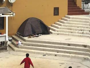 Φωτογραφία για Πάνω από 100 πρόσφυγες και μετανάστες έφτασαν στο Καστελόριζο