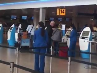 Φωτογραφία για Μέτρα Τραμπ: Τρέχουν στα ευρωπαϊκά αεροδρόμια οι Αμερικανοί για να επιστρέψουν στις ΗΠΑ