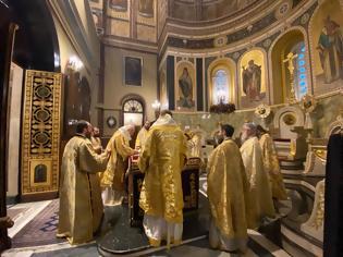 Φωτογραφία για Εκκλησία τέλος για τους πιστούς: Άδεια η Μητρόπολη Αθηνών στους Β' Χαιρετισμούς