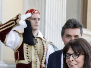 Φωτογραφία για Κατίνα Σακελλαροπούλου: Η πρώτη ημέρα στην Ηρώδου Αττικού και οι «ασύμμετρες απειλές» για την Πρόεδρο