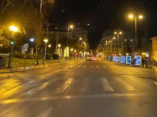 Φωτογραφία για Σάββατο βράδυ: Πόλη-φάντασμα η Αθήνα
