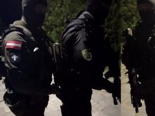 """Φωτογραφία για Evros – Austrian Commandos to Turkish officers: """"Here it is our country, we defend the European borders"""" (photos)"""