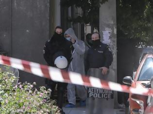Φωτογραφία για Επιχείρηση της αντιτρομοκρατικής σε Σεπόλια και Εξάρχεια: Βρήκαν τούνελ και αντιαρματικά!