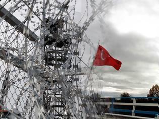 Φωτογραφία για Η Τουρκία απομακρύνει μετανάστες από τα σύνορα με την Ελλάδα (ΒΙΝΤΕΟ)