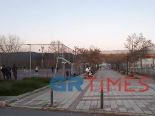 Φωτογραφία για Κάνουν βόλτες και παίζουν ποδόσφαιρο οι Θεσσαλονικείς