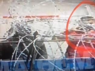 Φωτογραφία για Μετανάστες στον Έβρο βιντεοσκοπούν τις κινήσεις Ελλήνων αστυνομικών και στρατιωτών
