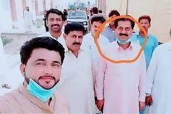 Πακιστάν: Έξι δημόσιοι υπάλληλοι έβγαλαν... selfie με ασθενή και τέθηκαν σε καραντίνα