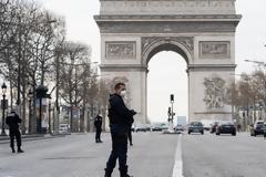 Γαλλία: Εφιάλτης με 365 νέους θανάτους - Ανάμεσά τους μια 16χρονη