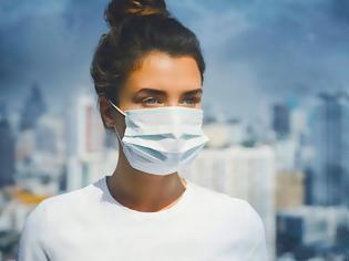 Φωτογραφία για ΣΟΚ: Έτσι φτιάχνουν τις μάσκες προστασίας για τον Κορωνοϊό; (video)