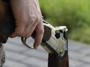 Φωτογραφία για «Θόλωσαν» από την κλεισούρα και το έριξαν στους... πυροβολισμούς!