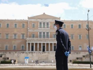 Φωτογραφία για Κοροναϊός : Τι δείχνουν τα στοιχεία για την επέλαση της νόσου σε 4 χώρες και στην Ελλάδα