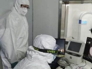 Φωτογραφία για ΠΟΥ: Ο ιός πιθανότατα μεταφέρεται και με τον αέρα