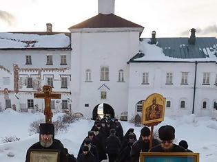 Φωτογραφία για Λιτάνευση της Ιεράς εικόνος της Παναγίας της Ευσπλαγχνίας(Umilenie)στο μοναστήρι του Σολοβέτς,