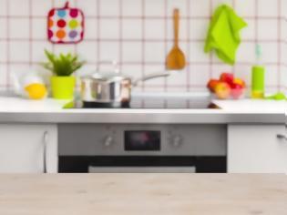 Φωτογραφία για Πώς να διώξεις την άσχημη μυρωδιά από την κουζίνα σε μόλις 5 λεπτά
