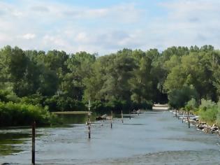 Φωτογραφία για Έβρος: Ανεβαίνει επικίνδυνα η στάθμη του ποταμού Άρδα