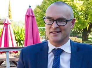 Φωτογραφία για Κορωνοϊός: Ο υπουργός Υγείας της Νέας Ζηλανδίας παραβίασε την καραντίνα