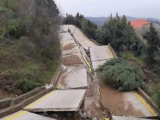 Φωτογραφία για 13457 - Άγιο Όρος: Ούτε σε έξι μήνες θα είναι έτοιμος ο κεντρικός δρόμος