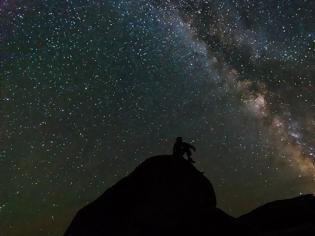 Φωτογραφία για Το σύμπαν μπορεί να μην επεκτείνεται ομοιόμορφα προς κάθε κατεύθυνση, λέει νέα «αιρετική» έρευνα