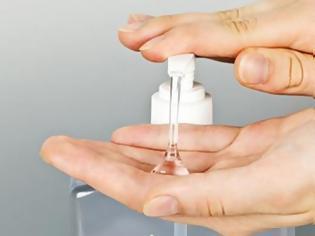 Φωτογραφία για Χέρια: Πώς να αντιμετωπίσετε την ξηροδερμία από το σαπούνισμα και τα απολυμαντικά