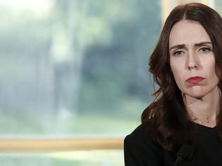 Φωτογραφία για Τζασίντα Άρντερν: Η πρωθυπουργός της Νέας Ζηλανδίας που εξαφάνισε τον κορωνοϊό