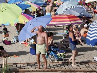 Φωτογραφία για Ο κακός χαμός γίνεται από το πρωί στις παραλίες της Αττικής