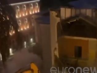 Φωτογραφία για Τίρανα: Ξύλο και προσαγωγές με φόντο την κατεδάφιση του Εθνικού Θεάτρου