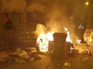 Φωτογραφία για Επεισόδια μεταξύ αστυνομικών και κουκουλοφόρων έχουν ξεσπάσει εδώ και μερικά λεπτά στο κέντρο της Θεσσαλονίκης