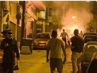 Φωτογραφία για Επίθεση με μολότοφ κατά αστυνομικών στη Θεσσαλονίκη - Ζημιές σε οχήματα