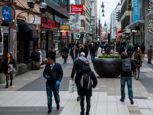 Φωτογραφία για Η Σουηδία κράτησε ανοικτά τα περισσότερα σχολεία, τα εστιατόρια και τις επιχειρήσεις κατά τη διάρκεια της πανδημίας....καταγράφει τον μεγαλύτερο κατά κεφαλήν αριθμό θανάτων στην Ευρώπη