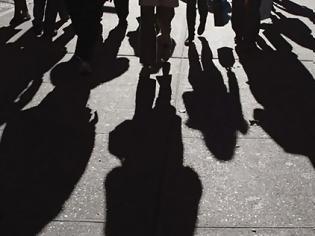 Φωτογραφία για Μειώσεις σε μισθούς φέρνει η εκ περιτροπής εργασία