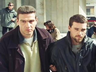 Φωτογραφία για Ο Κώστας Πάσσαρης επιστρέφει στην Ελλάδα – Τι συνέβη με την έκδοση του ισοβίτη κακοποιού