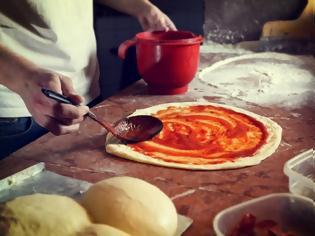 Φωτογραφία για Ιστορία της γεύσης: Πίτσα, από την αρχαιότητα μέχρι τη Νάπολη του 18ου αιώνα