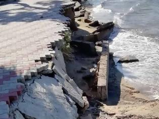 Φωτογραφία για Χαλκιδική: Κατέρρευσε η παραλία της Νέας Ηράκλειας